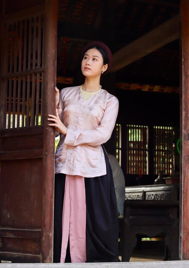 Nhan sắc nữ MC, diễn viên người Việt thắng giải tại Liên hoan phim Quốc tế Paris ảnh 5