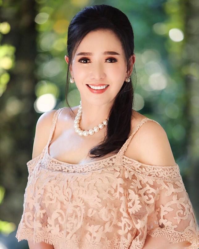 Hoa hậu Hoàn vũ Thái Lan U80 vẫn sở hữu body cân đối, nhan sắc trẻ trung ảnh 4