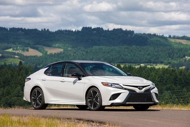 Toyota công bố các phiên bản và mức giá cho Camry 2019 ảnh 1