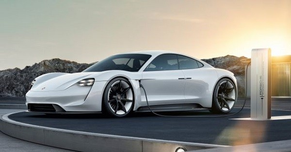 Porsche khai tử động cơ Diesel, đến với hệ thống Hybrid và xe điện ảnh 1