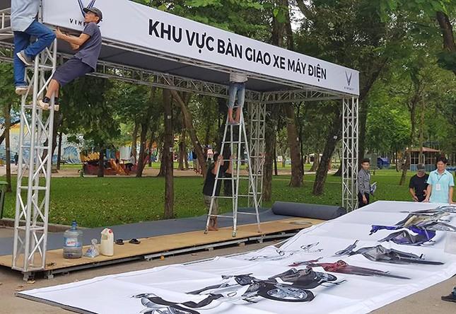 Vinfast gấp rút chuẩn bị cho lễ ra mắt 4 mẫu xe mới tại Hà Nội ảnh 9