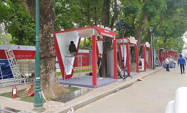 Vinfast gấp rút chuẩn bị cho lễ ra mắt 4 mẫu xe mới tại Hà Nội ảnh 7