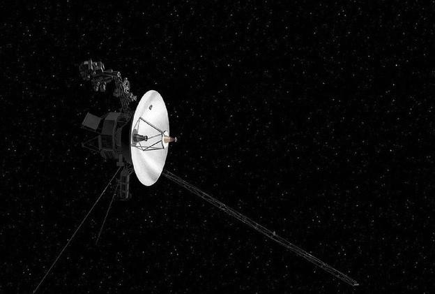 Tàu vũ trụ Voyager 2 trứ danh đã chạm đến không gian giữa các vì sao ảnh 2