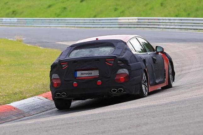 Kia Stinger thế hệ mới bắt đầu chạy thử nghiệm tại Nürburgring ảnh 2