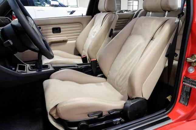 BMW M3 E30 của Paul Walker sang tay với giá 150.000 USD ảnh 2