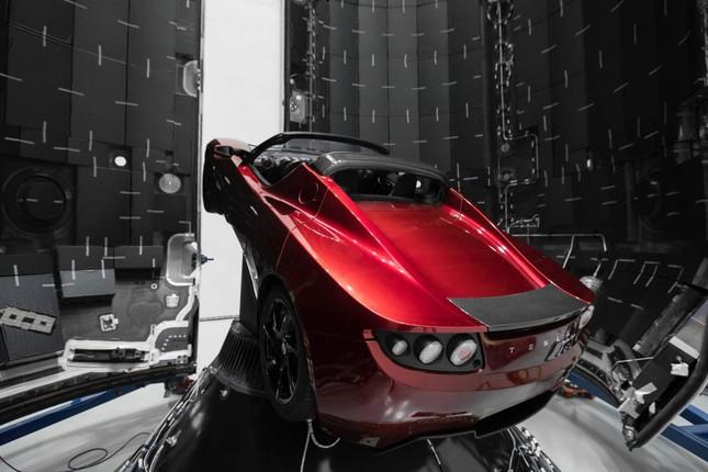 Xe điện Tesla đã tới sao Hỏa sau 2,5 năm lưu lạc ảnh 1