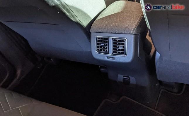 SUV cỡ nhỏ Nissan Magnite chính thức xuất hiện tại Ấn Độ ảnh 4