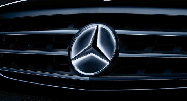 Logo trên xe Mercedes-Benz có thể gây lỗi cho hệ thống lái ảnh 1