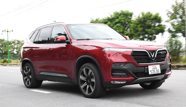 VinFast Lux SA2.0: SUV 7 chỗ bệ vệ, mạnh mẽ và an toàn ảnh 4