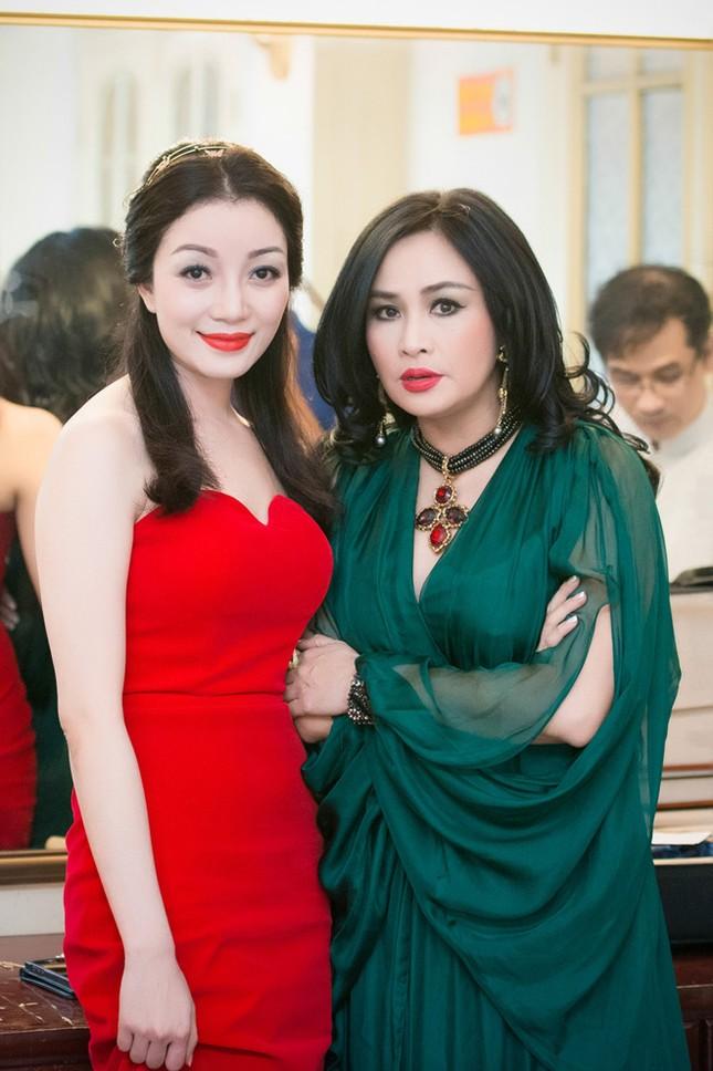 Thanh Lam, Hồng Nhung đọ sắc cùng 'đàn em' Phạm Thu Hà ảnh 4