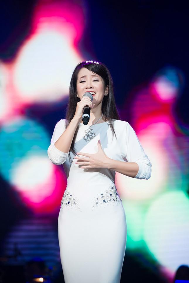 Thanh Lam, Hồng Nhung đọ sắc cùng 'đàn em' Phạm Thu Hà ảnh 6