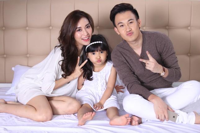Dương Triệu Vũ tình tứ bên bạn gái cũ của Trấn Thành ảnh 1
