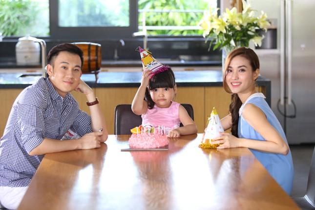 Dương Triệu Vũ tình tứ bên bạn gái cũ của Trấn Thành ảnh 8