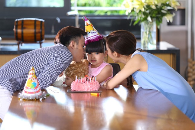 Dương Triệu Vũ tình tứ bên bạn gái cũ của Trấn Thành ảnh 7