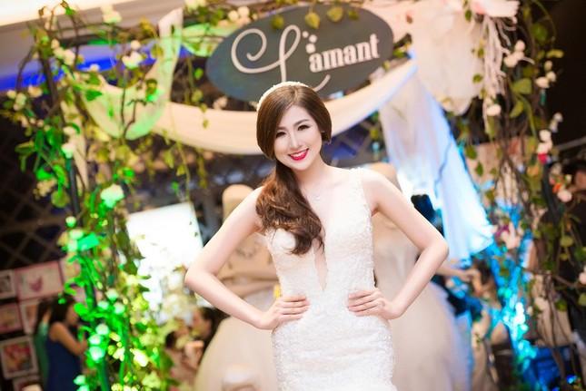Á hậu Tú Anh kiêu sa diễn thời trang cưới ảnh 5