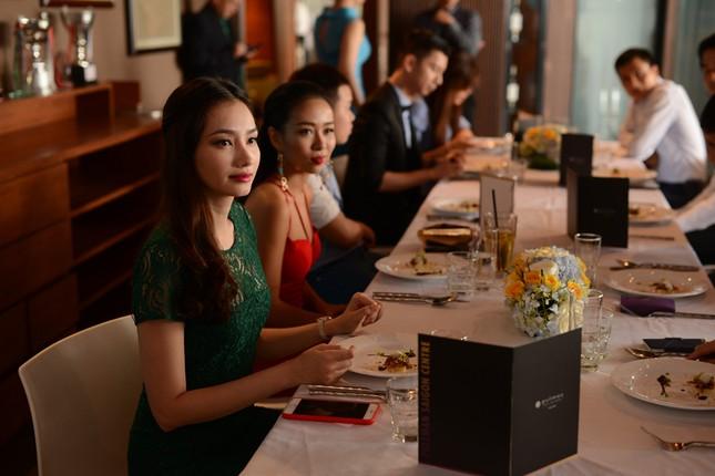 Thảo Trang bị Trúc Diễm 'dìm hàng' chiều cao ảnh 9