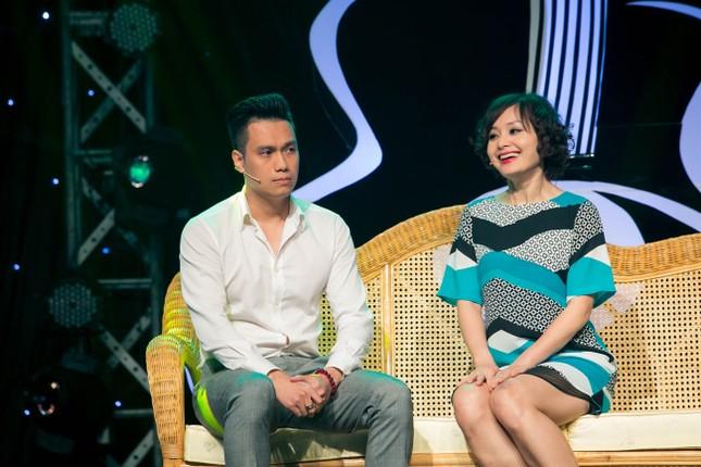 Danh hài Hoài Linh quỳ gối cầu hôn nghệ sỹ Hồng Vân ảnh 5