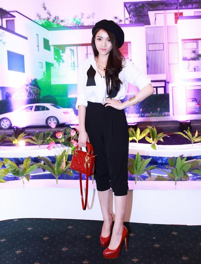 Danh hài Hoài Linh quỳ gối cầu hôn nghệ sỹ Hồng Vân ảnh 10