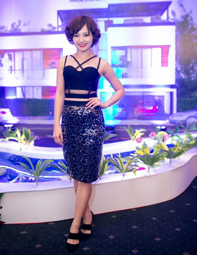 Danh hài Hoài Linh quỳ gối cầu hôn nghệ sỹ Hồng Vân ảnh 9