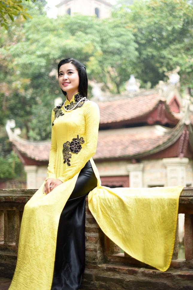 Á hậu Huyền My đẹp nền nã với áo dài du xuân ảnh 3