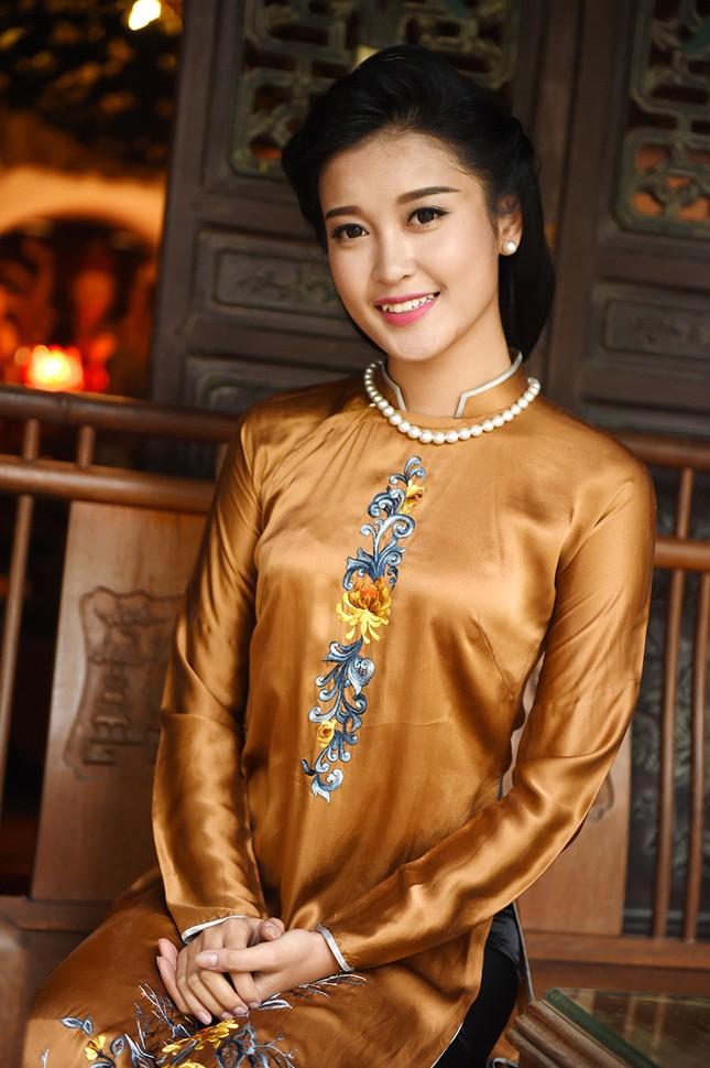 Á hậu Huyền My đẹp nền nã với áo dài du xuân ảnh 8
