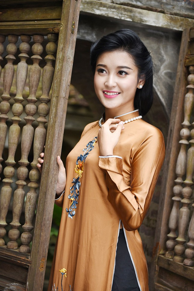 Á hậu Huyền My đẹp nền nã với áo dài du xuân ảnh 10