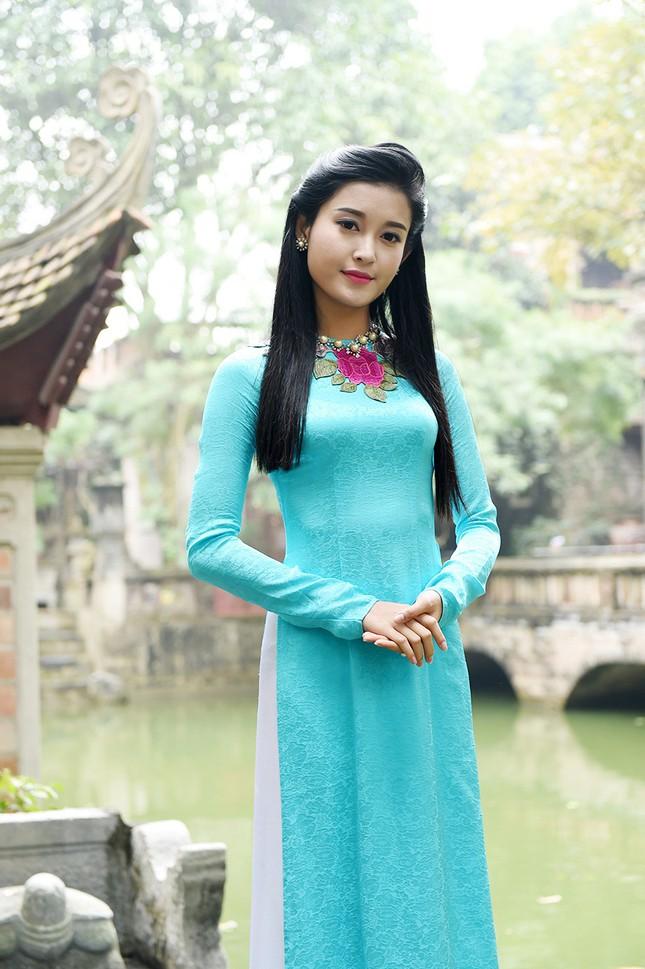 Á hậu Huyền My đẹp nền nã với áo dài du xuân ảnh 2