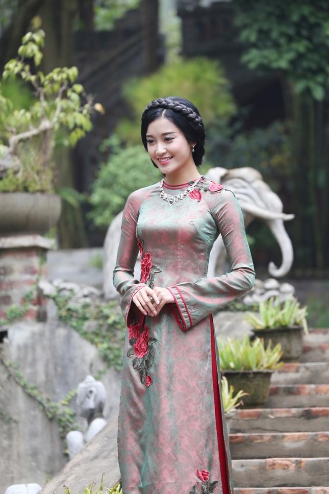 Á hậu Huyền My đẹp nền nã với áo dài du xuân ảnh 5