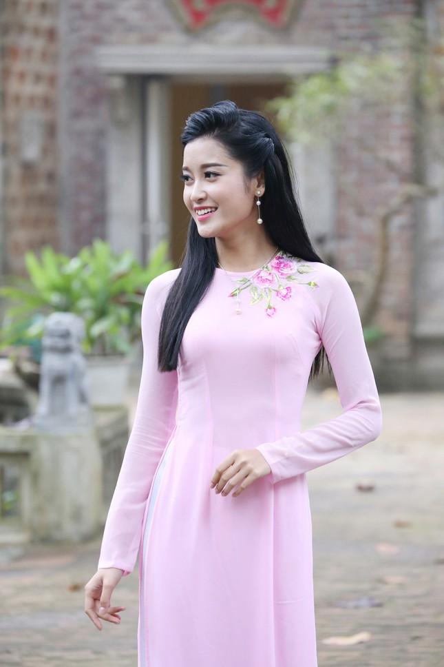 Á hậu Huyền My đẹp nền nã với áo dài du xuân ảnh 4