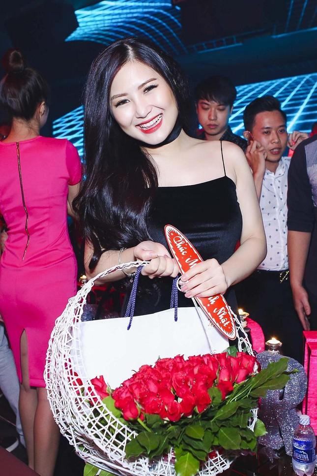 Hương Tràm gợi cảm đón sinh nhật tuổi 20 ảnh 2