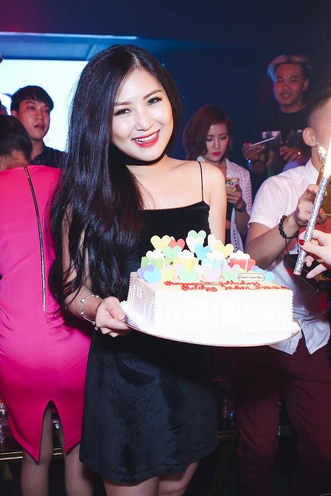 Hương Tràm gợi cảm đón sinh nhật tuổi 20 ảnh 5