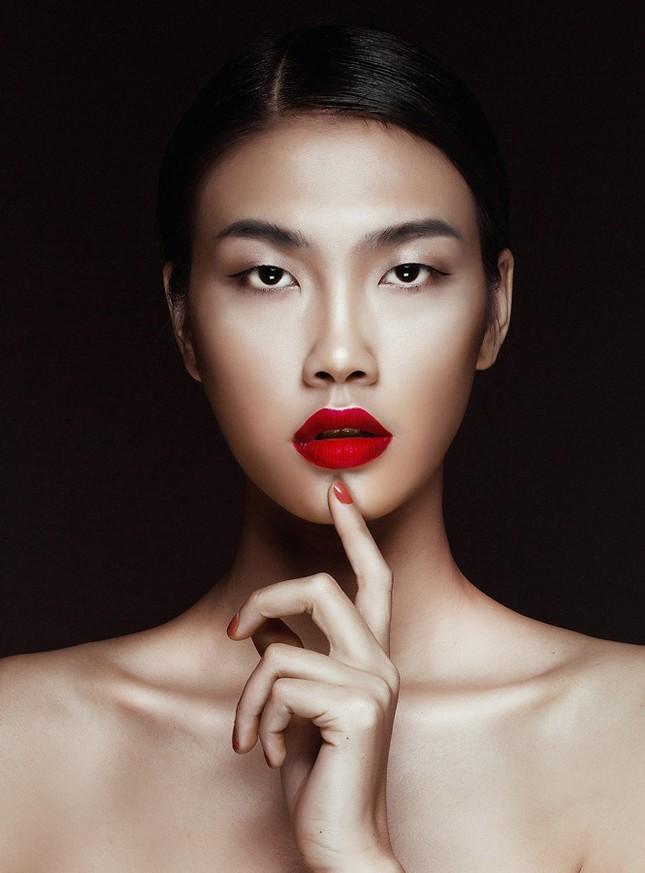 Quán quân Next Top Model Nguyễn Oanh 'lột xác' quyến rũ ảnh 1