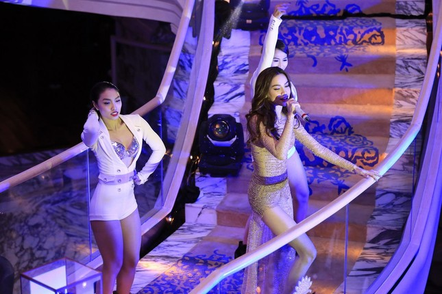 Hà Hồ, Tóc Tiên đọ vẻ nóng bỏng tại dạ tiệc ảnh 10