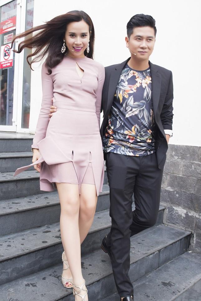 Vợ chồng Lưu Hương Giang sành điệu trở lại The Voice Kids ảnh 4