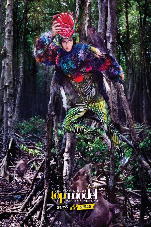 Thí sinh Next Top Model sợ hãi khi chụp ảnh với khỉ ảnh 15