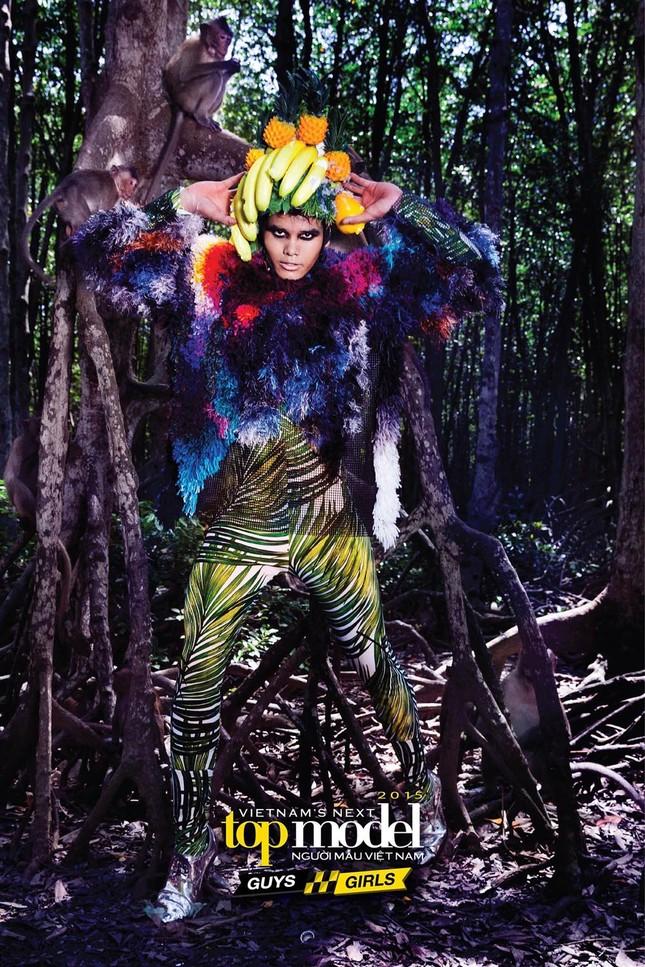 Thí sinh Next Top Model sợ hãi khi chụp ảnh với khỉ ảnh 10