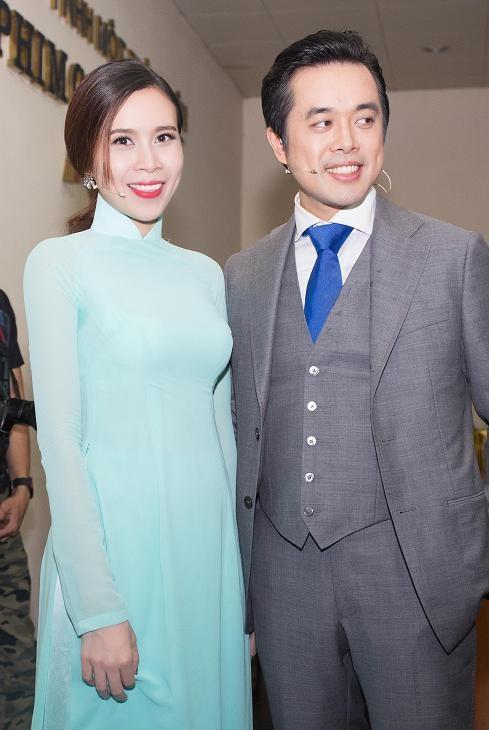 Lưu Hương Giang, Cẩm Ly khoe dáng e ấp với áo dài ảnh 7
