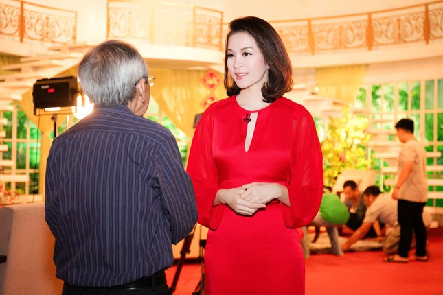 Khánh Ly hội ngộ Nguyễn Ánh 9 khi ghi hình chương trình Tết ảnh 5