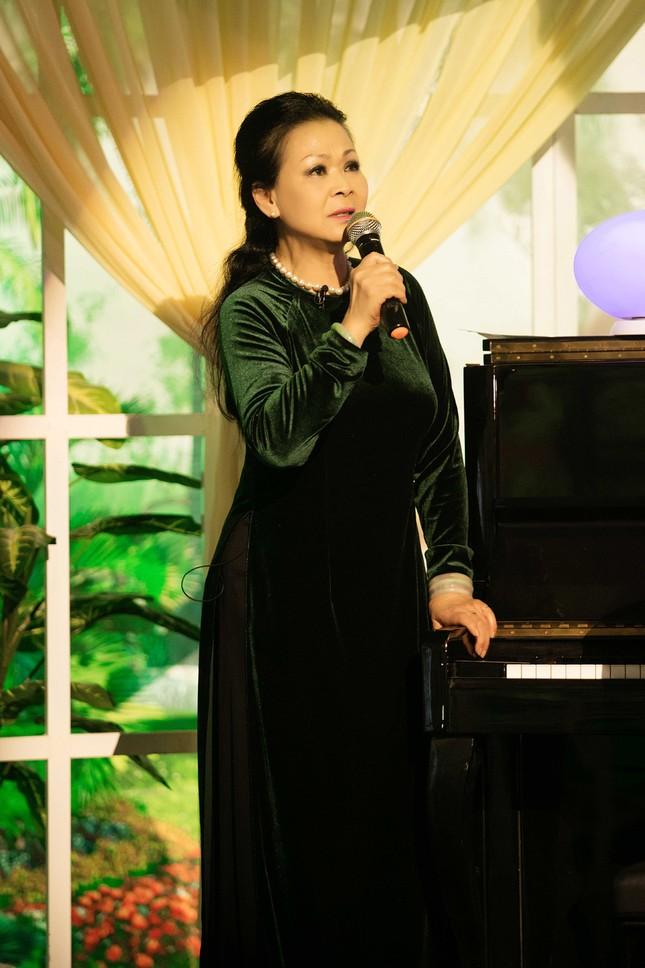 Khánh Ly hội ngộ Nguyễn Ánh 9 khi ghi hình chương trình Tết ảnh 11