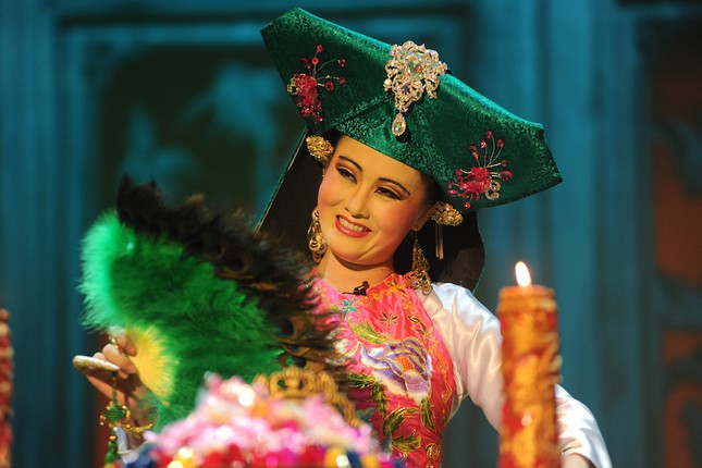 Vở diễn 'Tứ Phủ' tái hiện nghi lễ Hầu Đồng nguyên bản ảnh 6