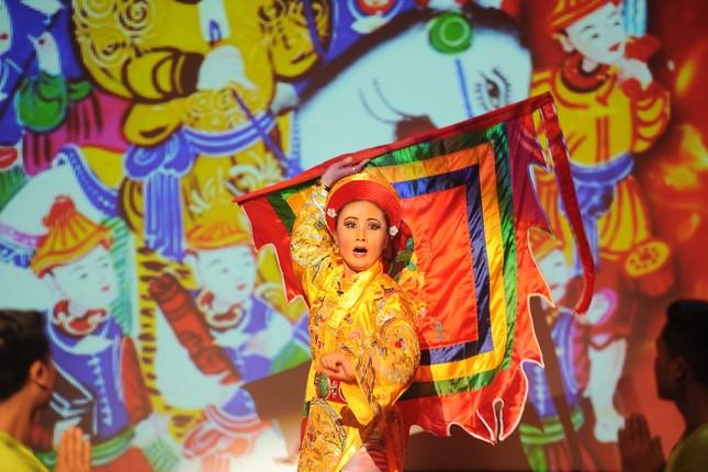 Vở diễn 'Tứ Phủ' tái hiện nghi lễ Hầu Đồng nguyên bản ảnh 8