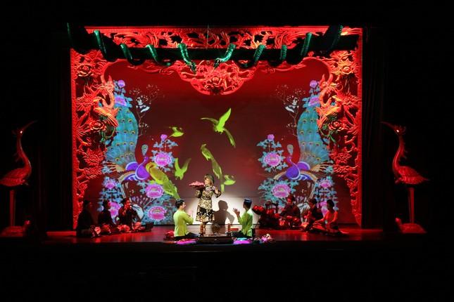 Vở diễn 'Tứ Phủ' tái hiện nghi lễ Hầu Đồng nguyên bản ảnh 10