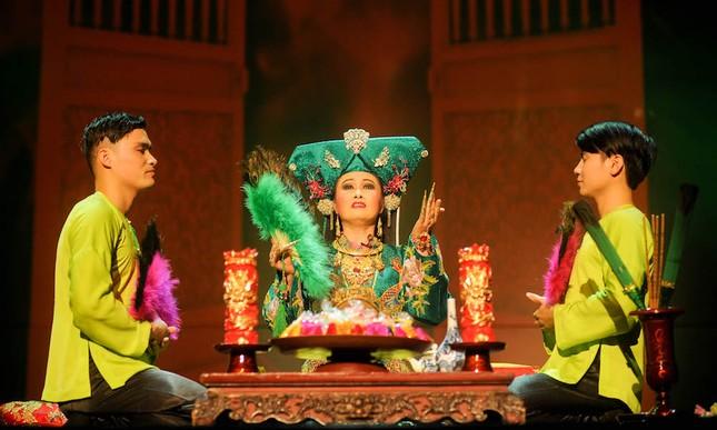 Vở diễn 'Tứ Phủ' tái hiện nghi lễ Hầu Đồng nguyên bản ảnh 4