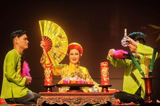 Vở diễn 'Tứ Phủ' tái hiện nghi lễ Hầu Đồng nguyên bản ảnh 7