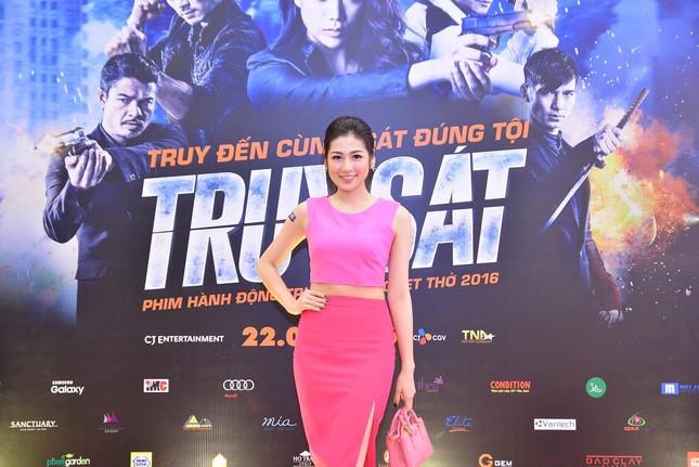 Á hậu Huyền My, Tú Anh đọ dáng cùng dàn sao phim 'Truy sát' ảnh 3