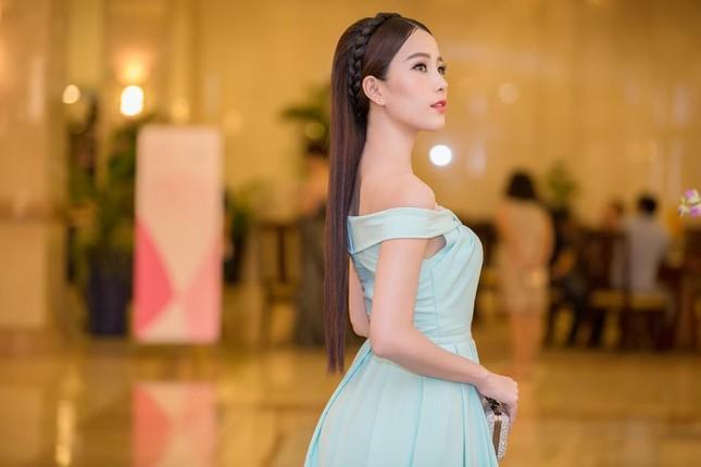 """Phạm Hương được vinh danh là """"Người phụ nữ của năm"""" ảnh 8"""