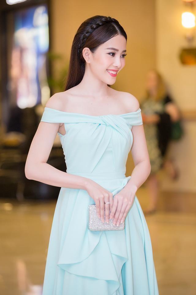 """Phạm Hương được vinh danh là """"Người phụ nữ của năm"""" ảnh 9"""