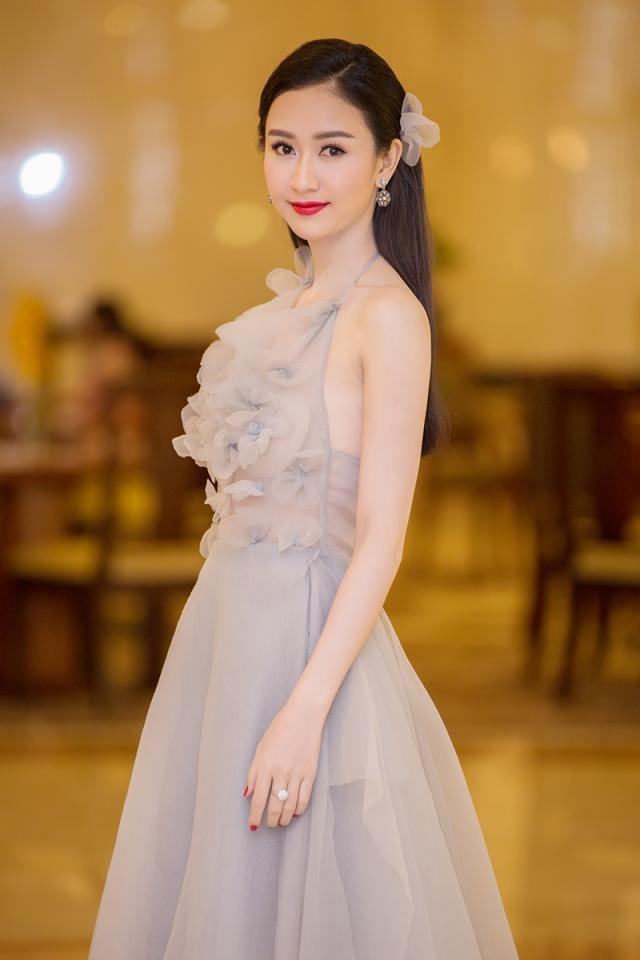 """Phạm Hương được vinh danh là """"Người phụ nữ của năm"""" ảnh 11"""