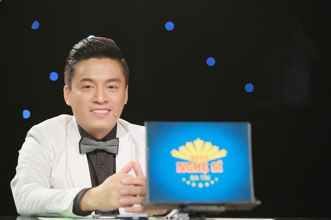 Quỳnh Chi bối rối khi biểu diễn gợi cảm trước Lam Trường ảnh 5