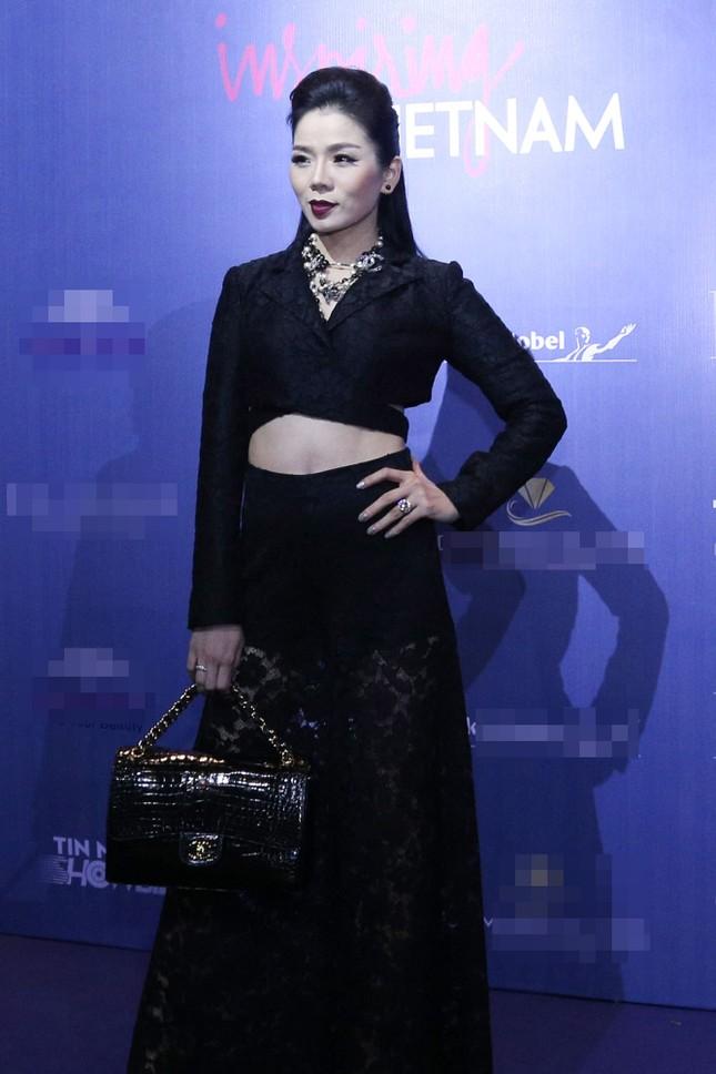 Angela Phương Trinh 'kín bưng' trên thảm đỏ Elle Fashion Journey ảnh 8